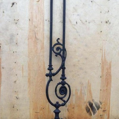 Decorative cast iron stair spindles