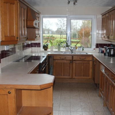 Solid Oak Kitchen - To be dismantled - Offers Accepted