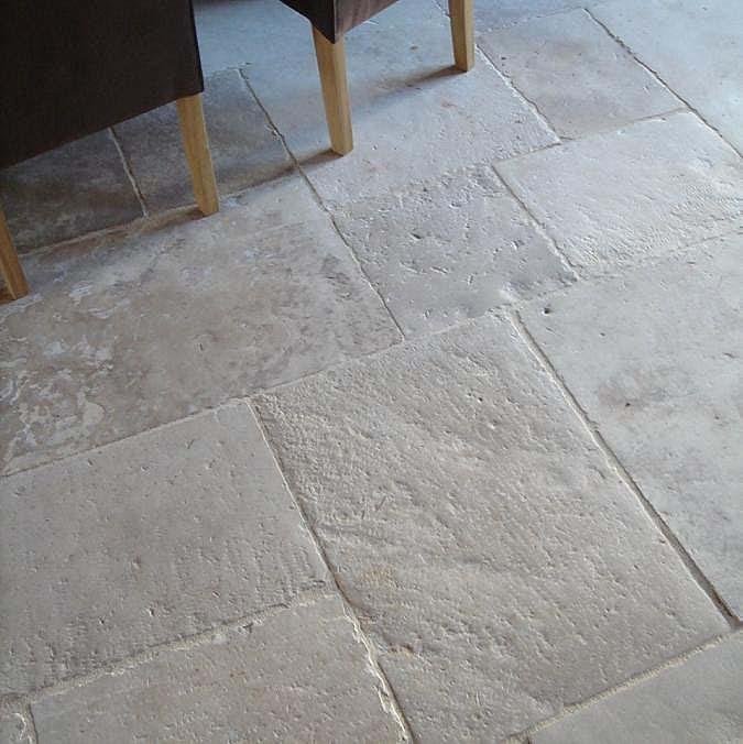 Pierre De Bourgogne Dallage for sale dallage ancien - dalles de bourgogne - antique limestone