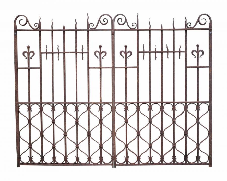 Pair Of 19th Century English Wrought Iron Driveway Gates