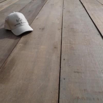plancher ancien large - wide reclaimed Keruing floorboards