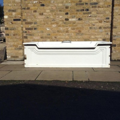 An Art Deco Bath