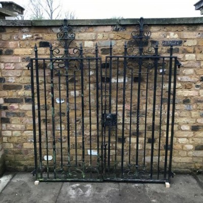Small Architectural Double Gate