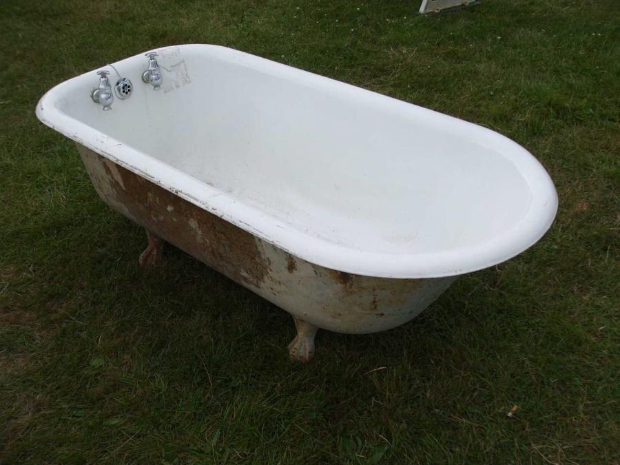 Victorian Cast Iron Roll Top Bath
