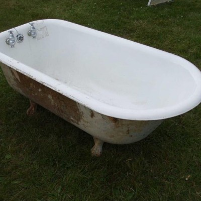 Victorian Cast Iron Roll Top Bath