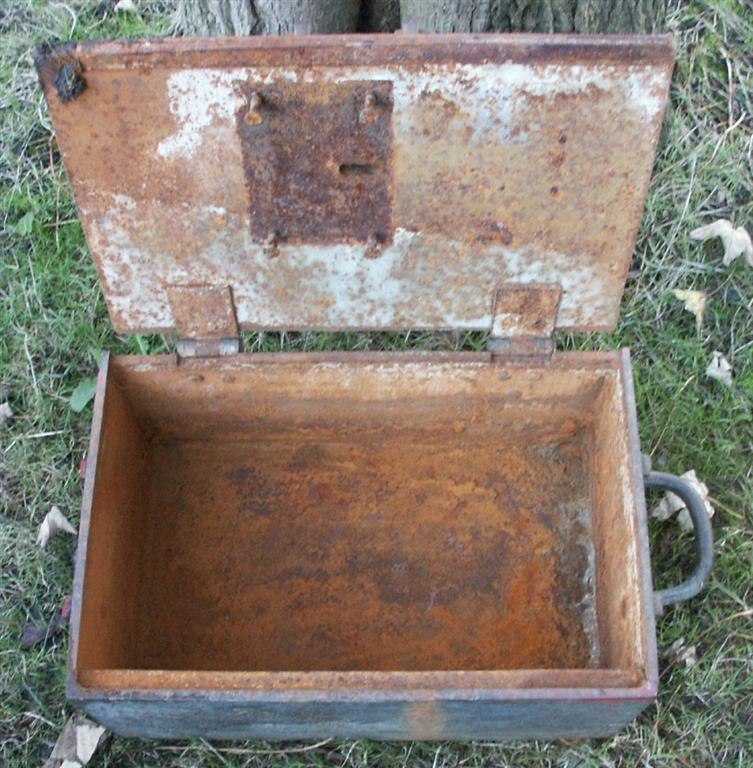 Cast iron strongbox / safe