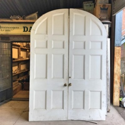 Large Oval Doors with Frame