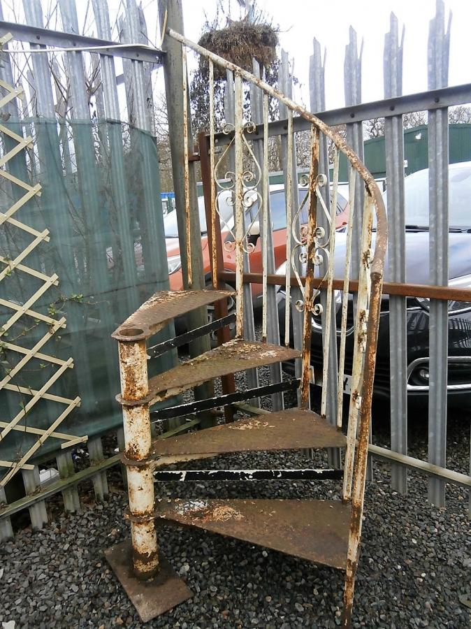 Cast Iron 4 Tread Spiral Staircase