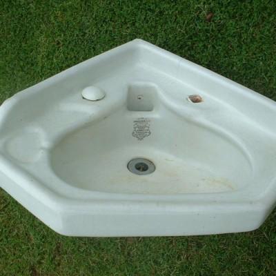 Victorian corner sink