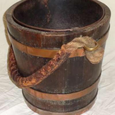 Mahogany fire / peat bucket