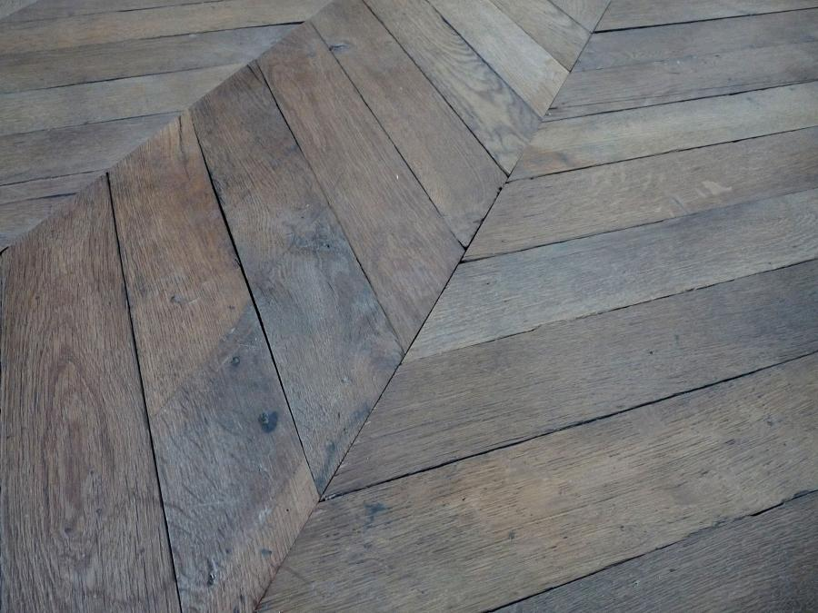 for sale parquet point de hongrie reclaimed french oak chevron parquet salv. Black Bedroom Furniture Sets. Home Design Ideas