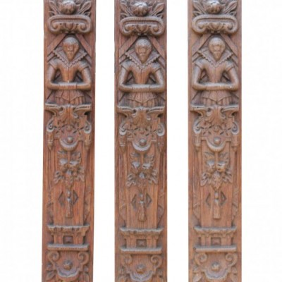 Set Of Three Early 20th Century Carved Oak Panels Depicting Quee