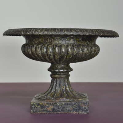 pair victorian cast iron tazza urns
