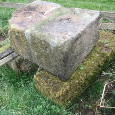 Mixed reclaimed/salvaged sandstone for sale