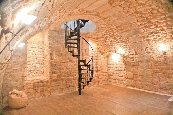 Cast Iron Industrial Spiral Staircase (around 1880)