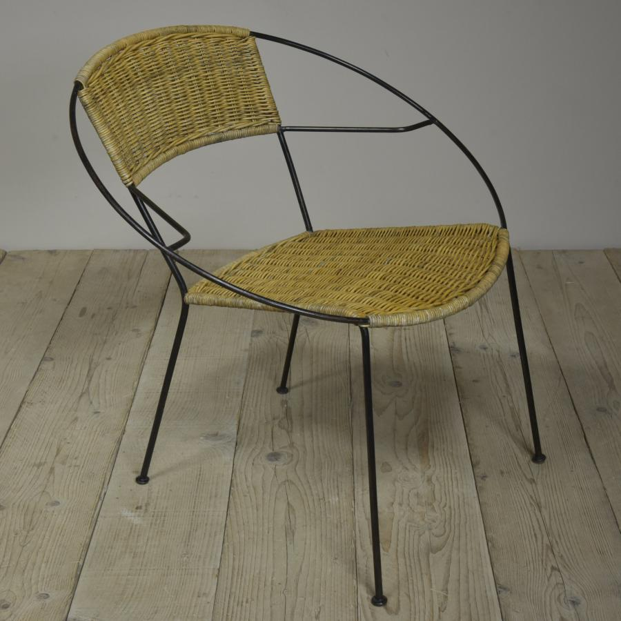 vintage wicker tables and chairs