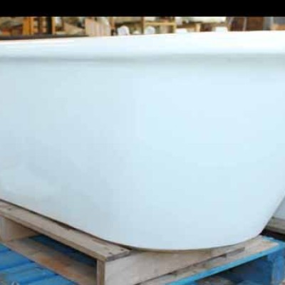 Reclaimed fireclay bath of generous proportions