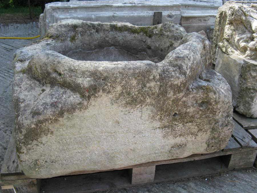 Very Early English Stone Font