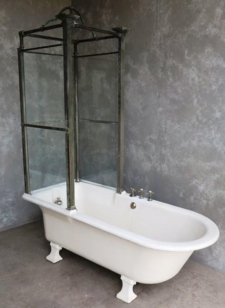 1509227924-Bathroom-Cast-Iron-Canopy-Bath-2.jpg