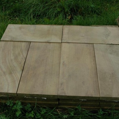 Sandstone paving / wall coping